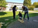 SAP-Mitarbeiter und viele Schüler basteln, ernten und pflanzen_2