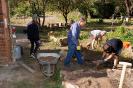 Eltern, Schüler und Lehrer engagieren sich am Mitmachtag der Metropolregion und bauen Kräuterspiralen_8